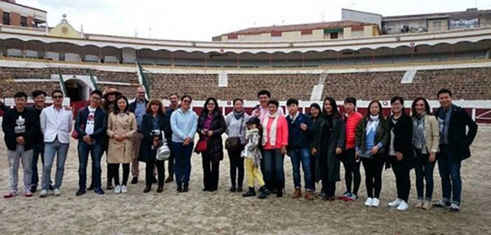 Empresarios y agentes de viajes chinos visitan Linares